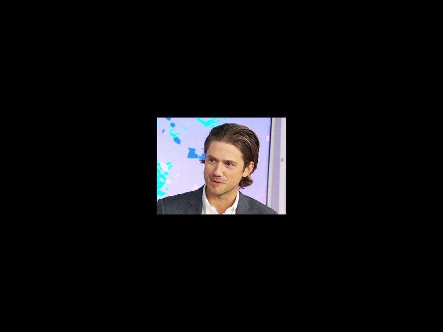 WI - Aaron Tveit - square - 9/15