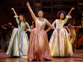 The Schuyler sisters singing aboutt he revolution and New York City